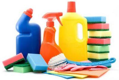Những thói quen lau chùi gây hại cho đồ nội thất thường gặp ở nhiều gia đình